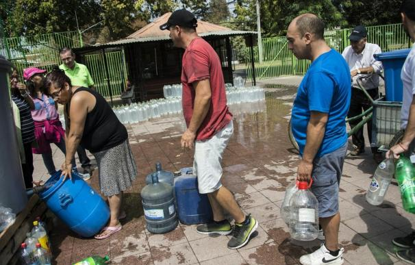 Más de 1,1 millones de hogares no tienen agua en Chile por las fuertes lluvias
