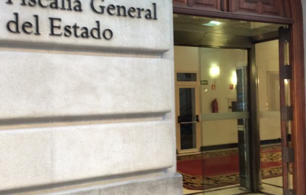 Arden unas cajas de cartón en la Fiscalía General del Estado