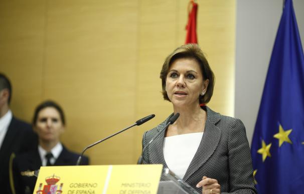 """Cospedal recuerda el papel de las Fuerzas Armadas como garantes de la """"soberanía"""" y la """"integridad territorial"""""""