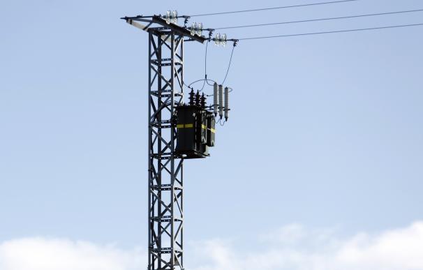 Iberdrola reduce un 76% en cuatro años los cortes de luz por falta de pago