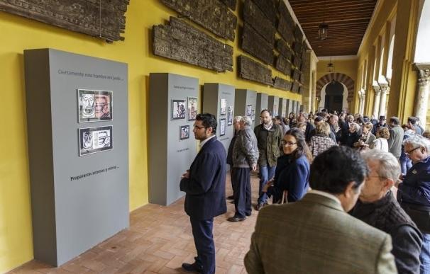 El Patio de los Naranjos acoge una exposición de 28 pinturas que muestran la Pasión de Cristo