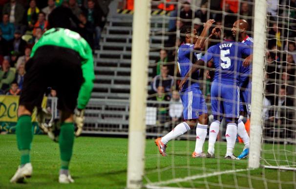El Chelsea supera su prueba ante el Tottenham con dos goles polémicos