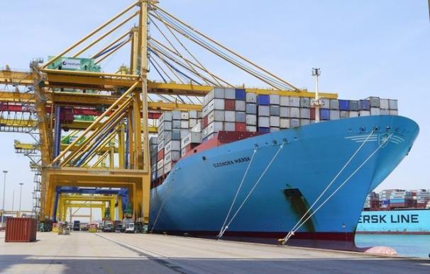 El Gobierno aprueba la reforma de la estiba a una semana de la huelga en los puertos