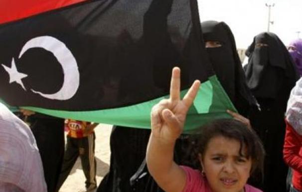 Gadafi ofrece un alto el fuego en Libia, pero rechaza irse