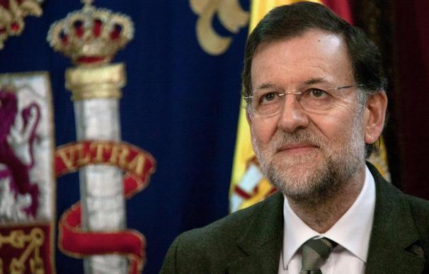 Rajoy mantiene la mano tendida a Cataluña, siempre en el marco constitucional