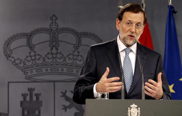 Rajoy insiste en que a los españoles les espera un 2013 difícil