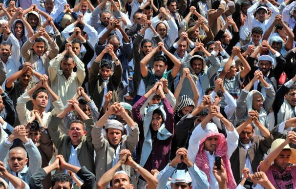 Un manifestante y dos militares mueren en un tiroteo en el sur de Yemen
