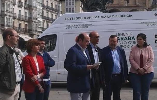 """Ortuzar: """"Seis diputados con capacidad de diálogo son más útiles que 120 atornillados al 'no' y atrincherados en Génova"""""""