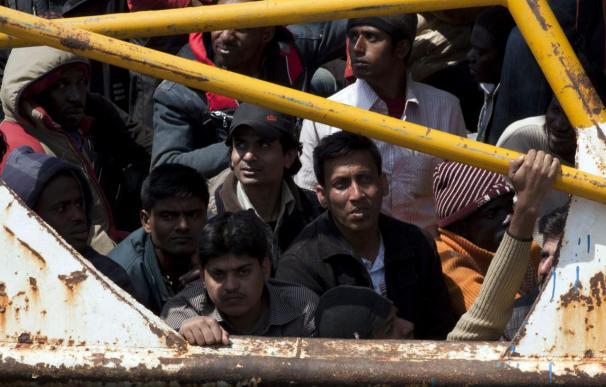 Una barcaza con 77 inmigrantes llega a Lampedusa tras pausa de varios días