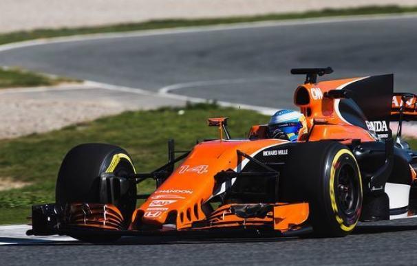 Fernando Alonso estrenó el McLaren en Montmeló.