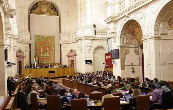Junta informa esta semana en el Pleno del Parlamento de las ofertas de empleo público y valorará la tasa de reposición