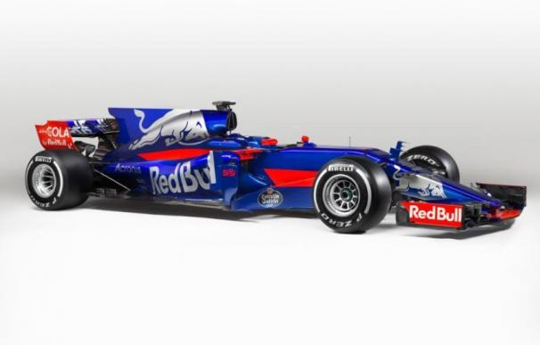 Toro Rosso tiñe de azulgrana el novedoso STR12 de Carlos Sainz