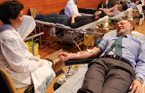 Los equipos móviles del Banco de Sangre de Extremadura recorrerán 13.000 kilómetros en marzo para hacer 70 colectas