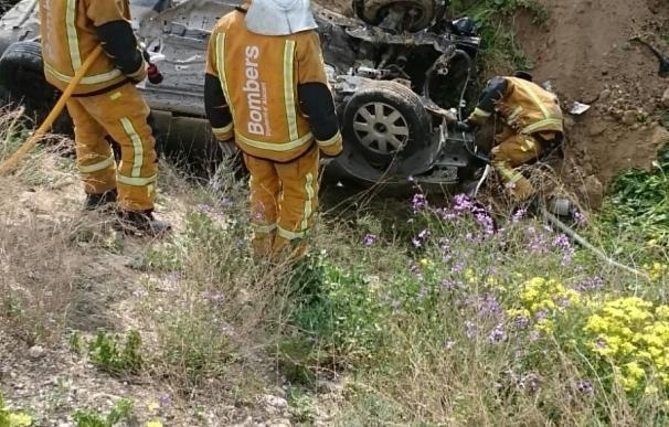 Herido al salir de la vía y dar varias vueltas de campana en un aparatoso accidente en Villajoyosa