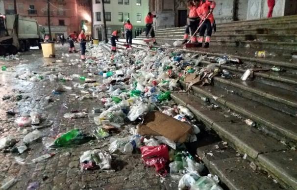 Recogidas unas 80 toneladas de basura durante el primer sábado de Carnaval 2017 en la capital