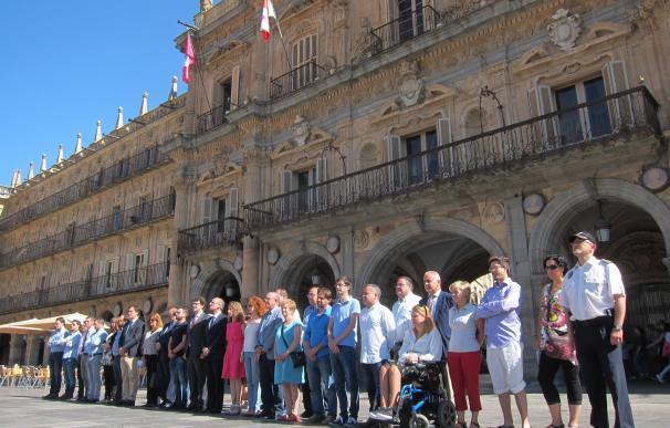 Salamanca recuerda en silencio a las víctimas del último atentado en Estambul