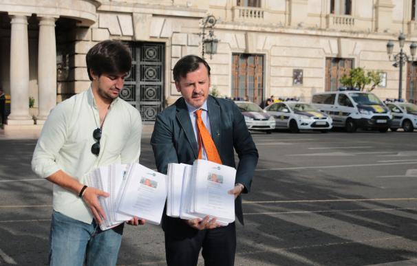 HazteOir entrega 250.000 firmas en el Ayuntamiento para que no repruebe al cardenal Cañizares