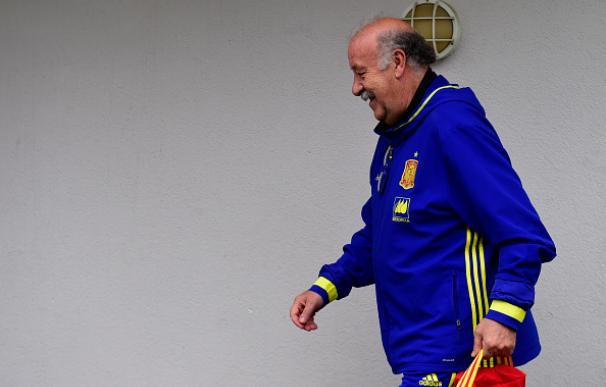 Del Bosque anuncia que deja la selección y que se retira de los banquillos