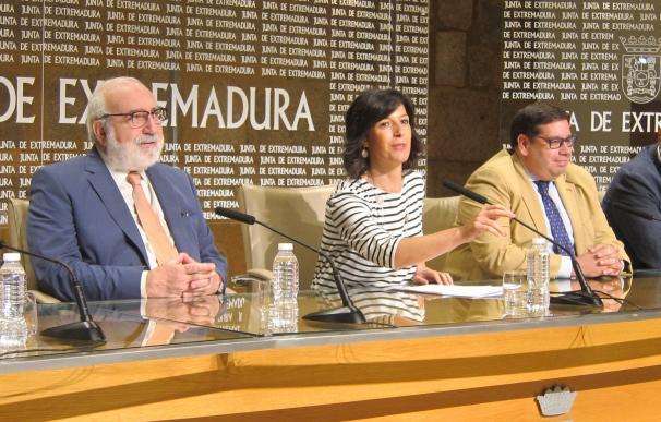 """La Junta y la Escuela de Organización Industrial crean cuatro acciones para """"mejorar la empleabilidad"""" de 900 extremeños"""