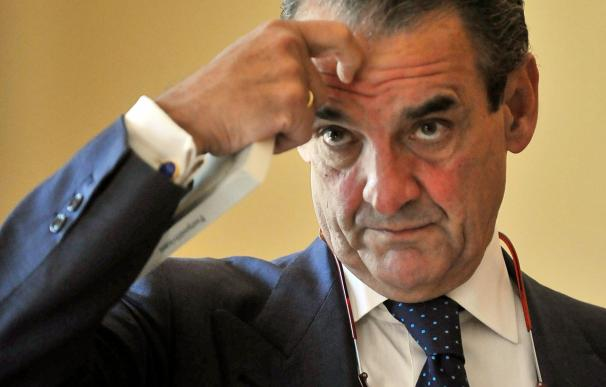 (Ampl.) Mario Conde, Dani Pedrosa y Lorenzo Sanz se mantienen en la lista de morosos con la misma deuda