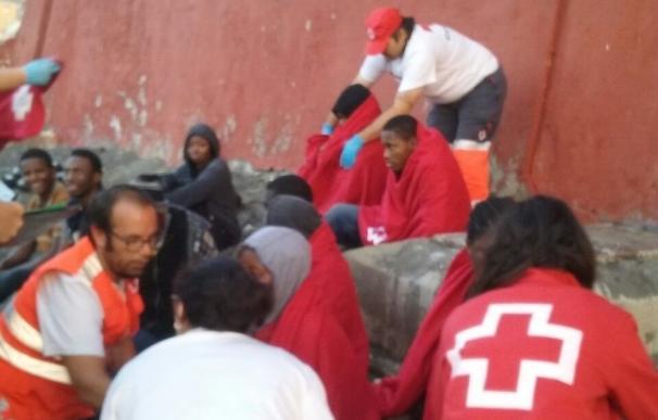 Diez inmigrantes subsaharianos llegan a Ceuta a bordo de una patera patroneada por un marroquí detenido