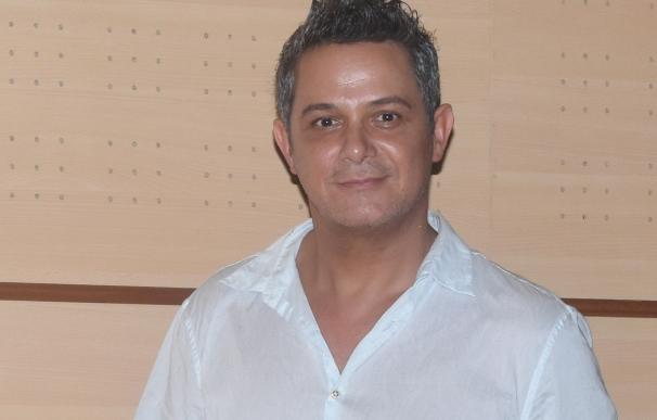 Alejandro Sanz apadrina un acuerdo como embajador de honor en la Fundación Jugaterapia