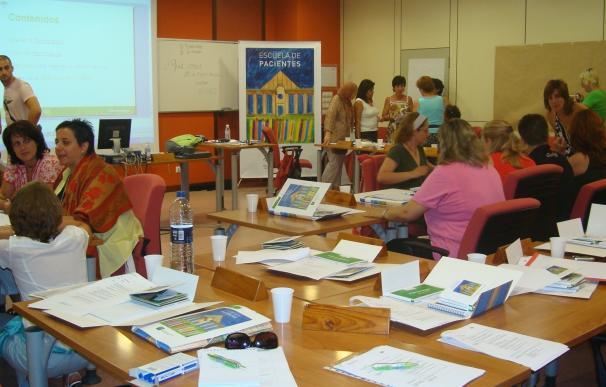 La Escuela de Pacientes cuenta con 150 sedes en Andalucía como referentes de la promoción de ayuda mutua y autocuidado