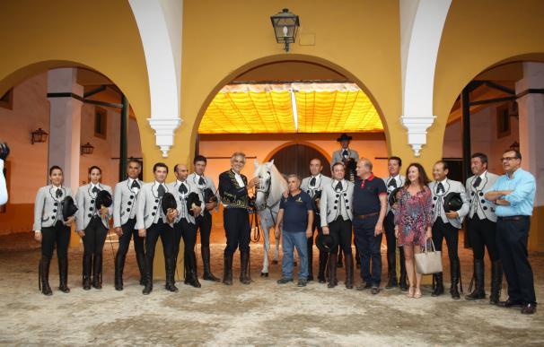 Andrea Bocelli asiste al espectáculo de la Real Escuela Ecuestre en Jerez