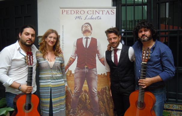 El cantaor Pedro Cintas presenta 'Mi libertá', un trabajo que parte de ocho poemas de Manuel Velázquez García-Baquero