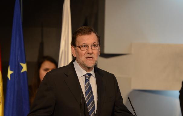 """Rajoy empezará hoy a hablar con los partidos y si hay """"buena disposición"""" nombrará una comisión negociadora"""