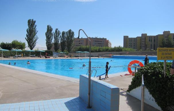 La campaña 'Sol sin riesgo' llega a las piscinas municipales