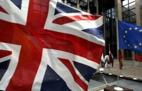 Standard & Poor's rebaja la nota de la Unión Europea, hasta 'AA', por el 'Brexit'