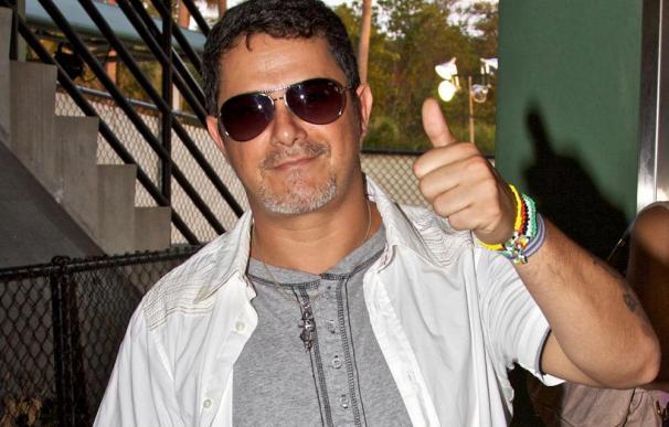 Alejandro Sanz vuelve al trabajo tras la pérdida de su madre
