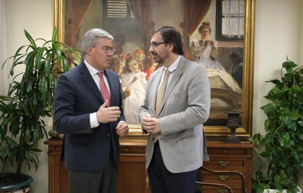 El rector de la UJA y el secretario de Estado de Hacienda abordan líneas de colaboración institucional