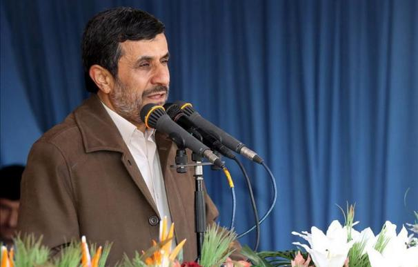 Ahmadineyad pide a EEUU e Israel que respeten al mundo y rechaza las amenazas