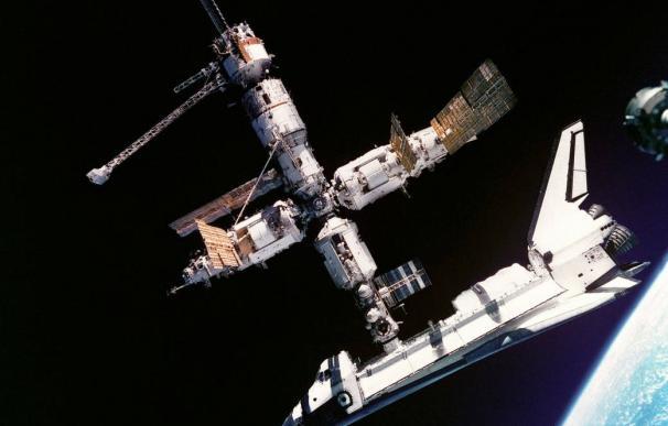 Se cumplen 21 años del encuentro espacial Atlantis-Mir