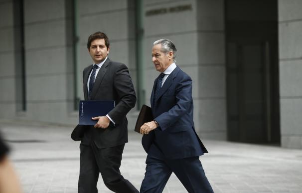 Blesa asegura que se enteró por la prensa que Rato firmó un contrato de 600.000 euros con Pineda