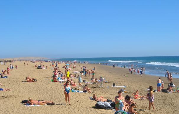 Tenerife y Gran Canaria, entre los diez destinos favoritos de los españoles este verano, según eDreams