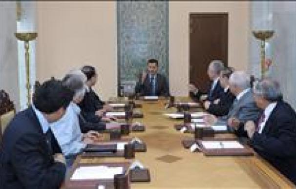 """Bachar Al Asad elogia a las Fuerzas Armadas sirias por su """"lealtad"""""""
