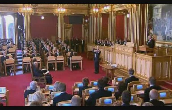 El Parlamento de Noruega recuerda a las víctimas de los atentados de Oslo