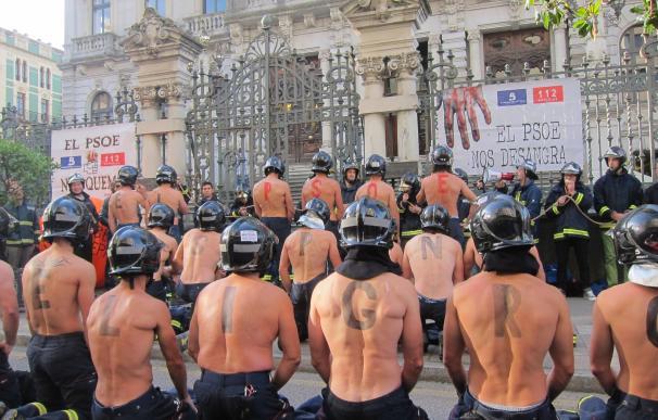 """Los bomberos vuelven a salir a protestar este jueves ante el """"caos total"""" en el SEPA"""