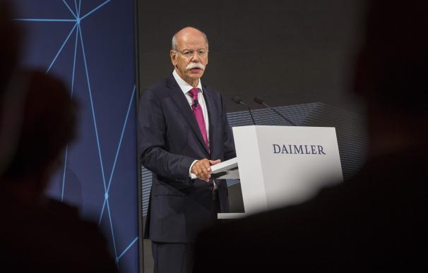 Daimler aporta 1.800 millones al fondo de pensiones de la compañía