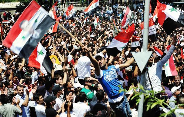 Cinco personas, cinco historias y cinco realidades. El día a día sigue en Damasco, los sirios opinan a favor y en contra de la revolución.