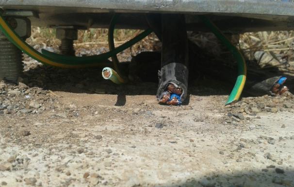 Un robo de cable deja sin alumbrado un tramo de la carretera de Proserpina en Mérida