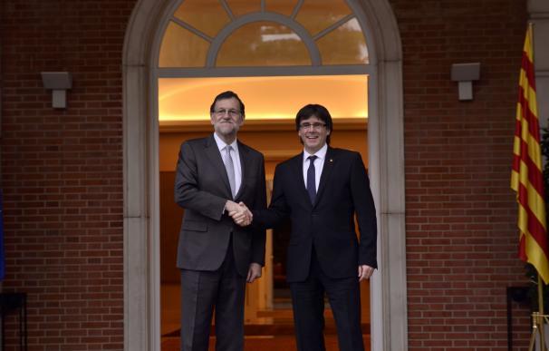 Rajoy llamó a Puigdemont para invitarle a asistir a la Conferencia de Presidentes