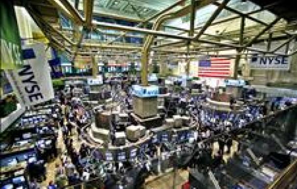 Wall Street abre con descenso del 0,55 por ciento pese al acuerdo de la deuda en EE.UU.