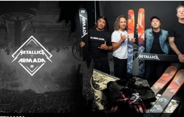 Los esquís personalizados de Metallica