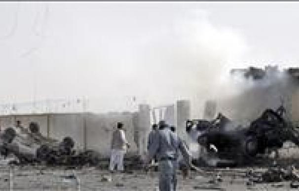 Mueren entre 4 y 8 policías afganos en un presunto bombardeo de la OTAN