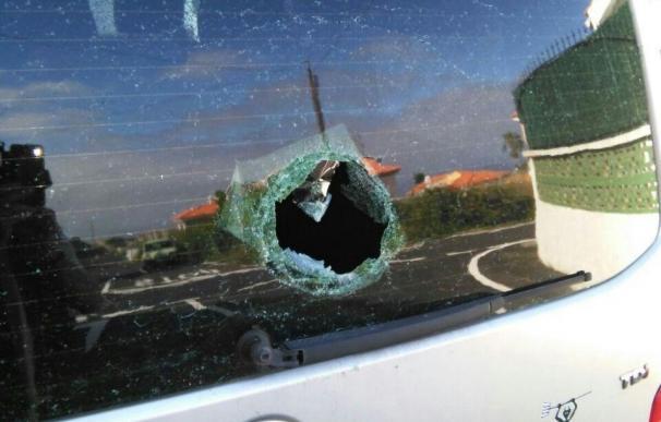 Apedrean el coche de un concejal de El Sauzal (Tenerife) tras la celebración de la caravana de Unidos Podemos