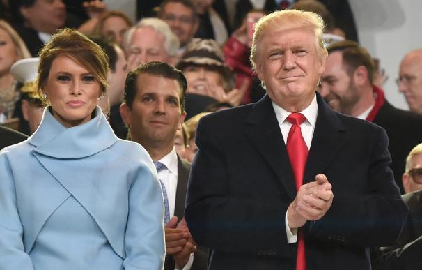 Donald Trump junto a su esposa el día de su investidura. AFP